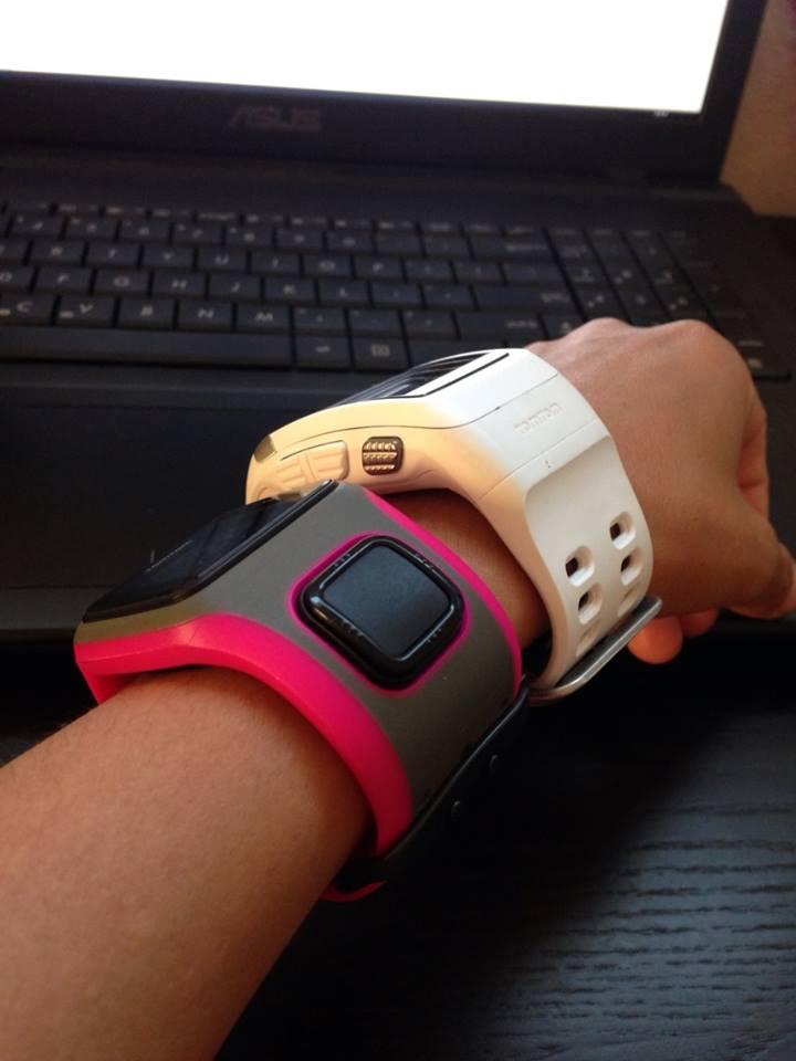 battle royale nike sportwatch vs tomtom runner leg it leilani rh legitleilani com Nike GPS Watch Blue TomTom Nike Running Watch